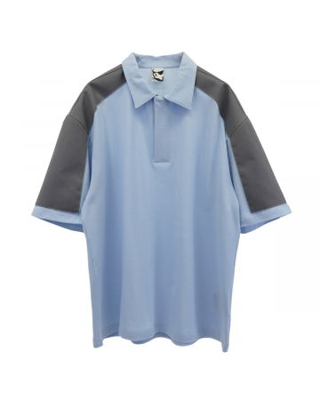 GR10K TR DEAL SHOULDERPATCH POLO 02 / SKY