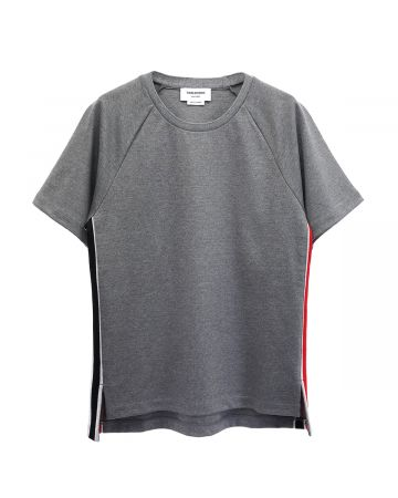 [お問い合わせ商品] THOM BROWNE. SHORT SLEEVE TEE W/ RWB STRIPE IN INTERLOCK / 035 : MED GREY