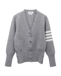 [お問い合わせ商品] THOM BROWNE. MILANO CLASSIC V NECK CARDIGAN W/ 4 BAR STRIPE IN FINE MERINO WOOL / 055 : LIGHT GREY