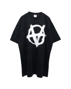 VETEMENTS ANARCHY GOTHIC LOGO T-SHIRT / BLACK-WHITE